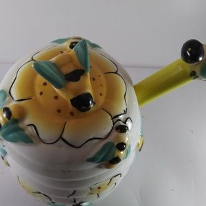 Ceramic honey pot w/ matching dipper